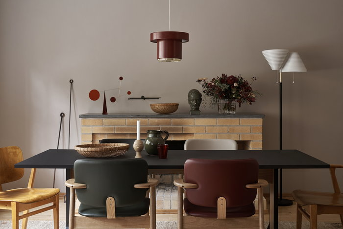 Holidays Diningroom Artek Nature Red Brass Beige Birch Steel Ceramic Tapiovaara Domus Aalto lightning