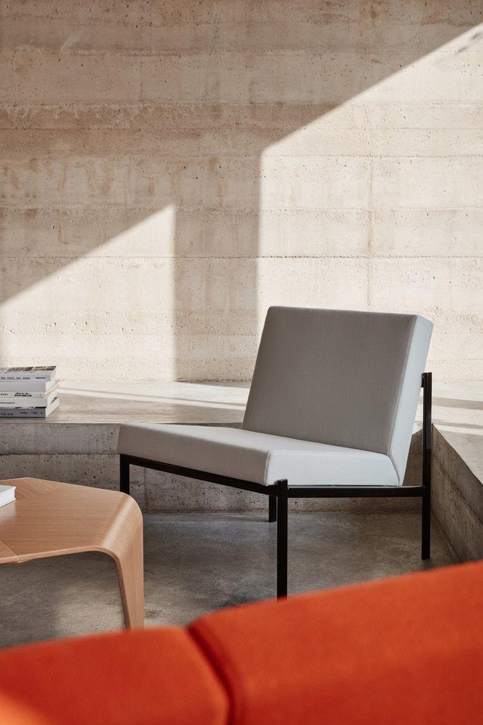 Livingroom Artek Grey Steel Trienna