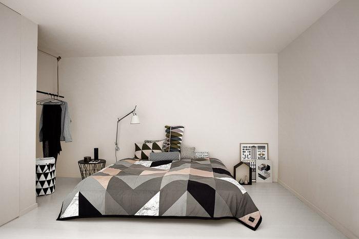 Makuuhuone Ferm Living Valkoinen Musta Monivärinen Vaaleanpunainen Tammi Metalli Puu Nahka Puuvilla Studio Wire Spear Triangle