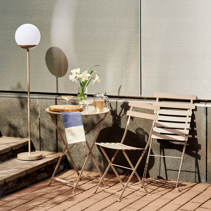 Summer2020 Form & Refine Ferm Living Fermob Hay Karakter Skagerak Nature Beige Brown Clear Blue Oak Glass Steel Metal Plastic Cotton Bistro