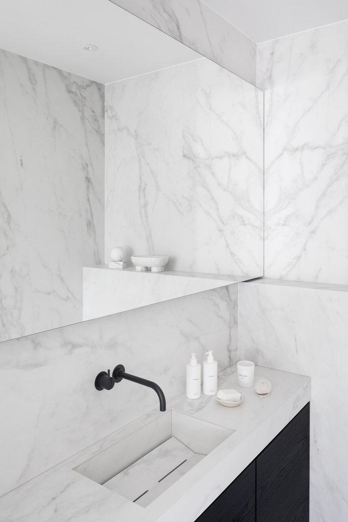 Kylpyhuone Asuntomessut Ferm Living Valkoinen Marmori