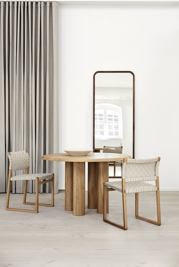 Diningroom Fredericia White Nature Ceramic Walnut