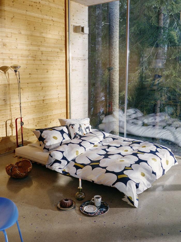 Makuuhuone Flos Marimekko Punainen Sininen Monivärinen Valkoinen Teräs Puuvilla Koivu Keramiikka Oiva