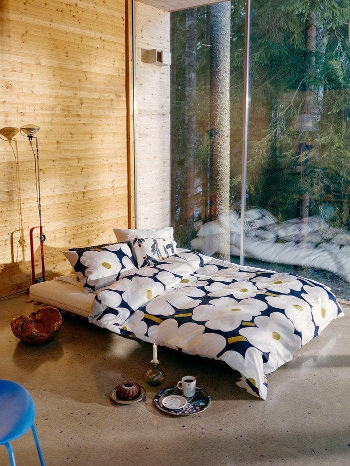Bedroom Flos Marimekko Red Blue Multi colour White Steel Cotton Birch Ceramic Oiva