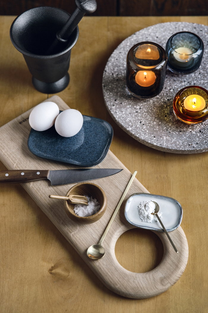 Tablesetting Holidays Fiskars Ferm Living Gense Kay Bojesen Skagerak Serax Warm Nordic Brown Brass Black Nature Grey White Multi colour Wood Stainless Steel Cast iron Oak Ceramic Glass