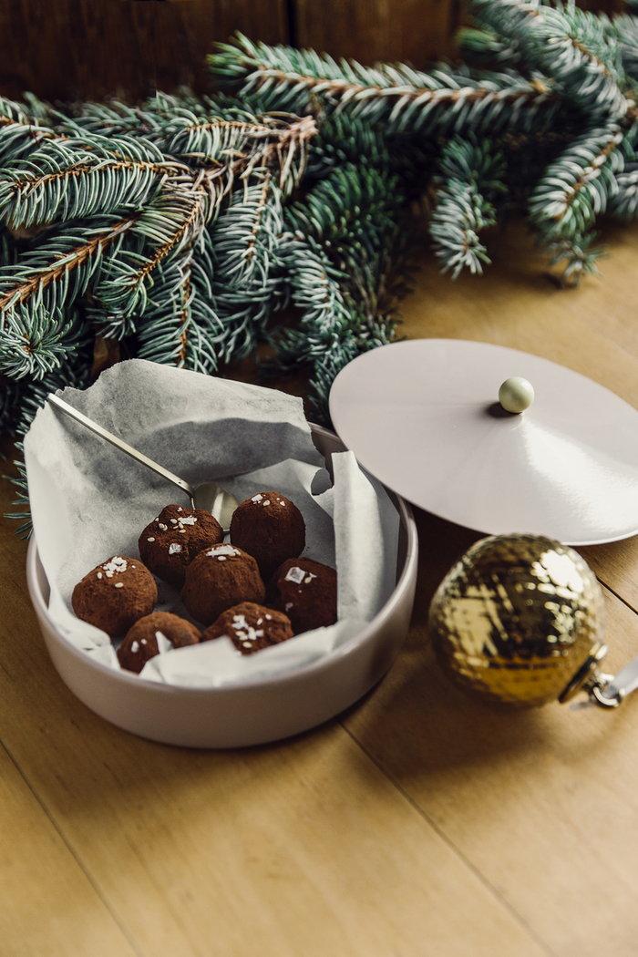 Kattaus Joulu Ferm Living Lyngby Porcelain Tivoli Messinki Kulta Ruostumaton teräs Keramiikka Teräs