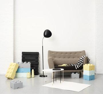 Salotti Gestionespazio Gubi Room Copenhagen Nero Grigio Giallo Turchese Bianco Alluminio Plastica Cobra Lego