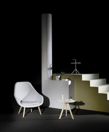 Olohuoneet Hay Valkoinen Harmaa Teräs Tammi DLM About a Chair Copenhague