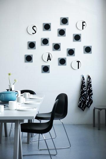 Kattaus Ruokailutilat Design Letters Musta Valkoinen Keramiikka Puuvilla AJ keittiö