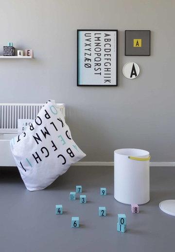 Lastenhuoneet Design Letters Musta Valkoinen Keramiikka Melamiini AJ keittiö