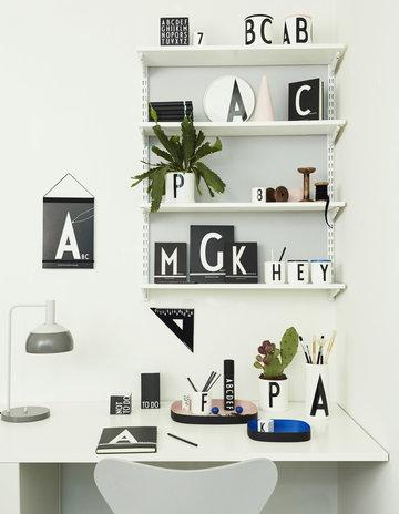 Työpisteet Design Letters Harmaa Turkoosi Musta Valkoinen Puu Keramiikka Paperi AJ keittiö