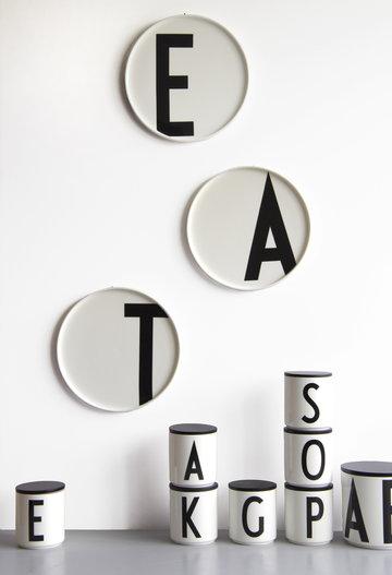 Säilytys Sisustusyksityiskohta Design Letters Musta Valkoinen Luonnonväri Keramiikka Puu AJ keittiö