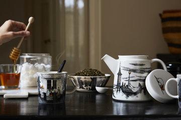Tablesetting Arabia Iittala Black Clear Ceramic Glass Muumi Kartio