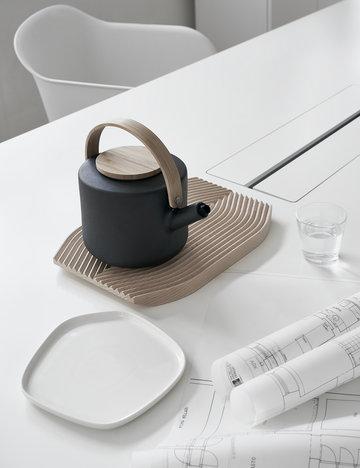 Puntilavoro Dettaglioarredamento Hay Iittala Stelton Adi Naturale Bianco Trasparente Nero Faggio Ceramica Vetro Composito Field Kartio Fiber Chair Theo