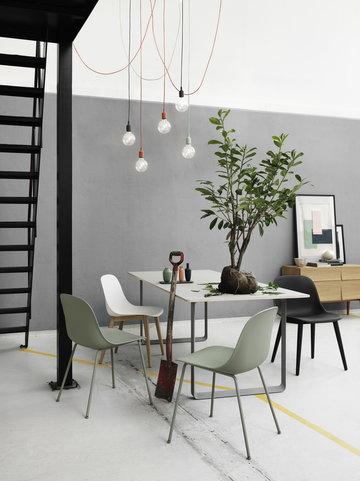 Työpisteet Sisustusideat Ruokailutilat Muuto Harmaa Monivärinen Punainen Musta Vihreä Keramiikka Metalli 70/70 Balance Fiber Chair E27