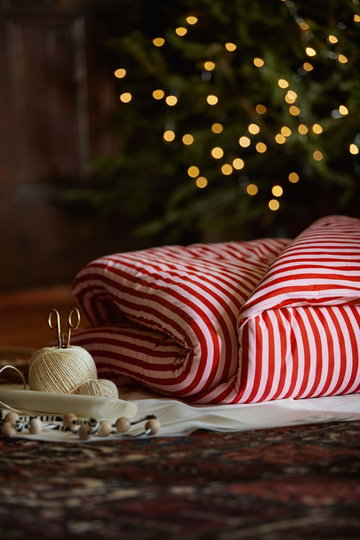 Christmas Bedroom Marimekko Red Cotton Birch Tasaraita
