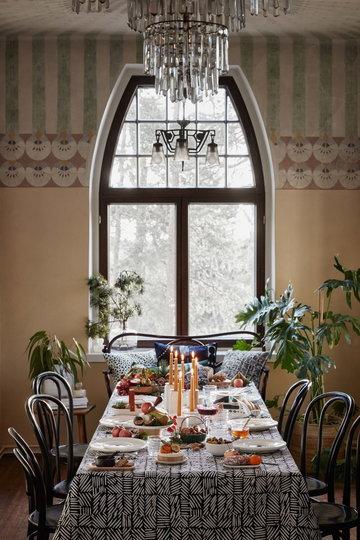 Houseplants Tablesetting Christmas Diningroom Marimekko White Ceramic Cotton Oiva