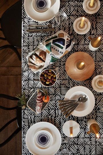 Tablesetting Christmas Marimekko White Brown Ceramic Wood Cotton Oiva