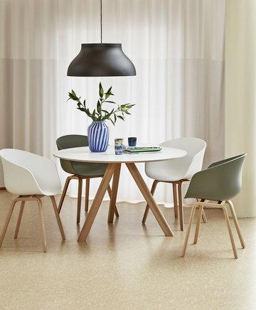 Ruokailutilat Hay Sininen Vihreä Valkoinen Lasi Tammi About a Chair