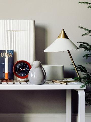 Joulu Vitra Artek Hay Muuto Warm Nordic Ruskea Beige Oranssi Valkoinen Puu Keramiikka Lasi Metalli