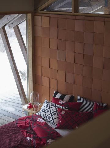 Makuuhuone Marimekko Woodnotes Punainen Harmaa Monivärinen Luonnonväri Keramiikka Lasi Puuvilla Tammi Oiva