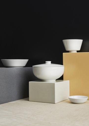 Tablesetting Iittala White Ceramic