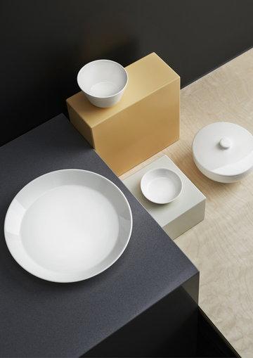 Tablesetting Iittala White Ceramic Teema