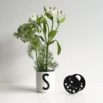 Design Letters Flower holder kukkatuki