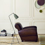 Gubi Gräshoppa floor lamp, warm grey