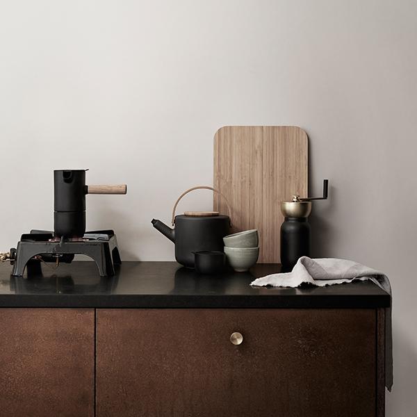 stelton theo teapot finnish design shop. Black Bedroom Furniture Sets. Home Design Ideas