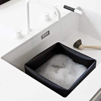 Normann Copenhagen Vaschetta e spazzola per piatti, colore nero