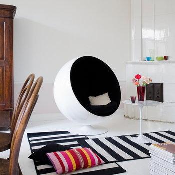 Eero Aarnio Originals Ball chair