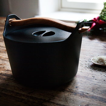 Iittala Sarpaneva cast iron pot