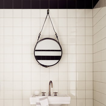 Gubi Adnet mirror S, black