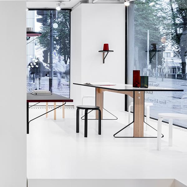 Artek REB 006 Kaari työtaso, musta  tammi  Finnish Design Shop