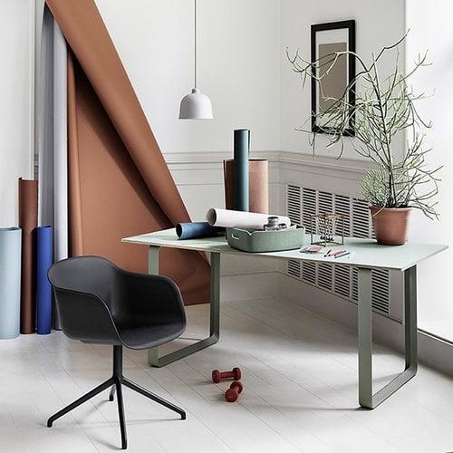 Muuto Fiber armchair, swivel base, dusty red