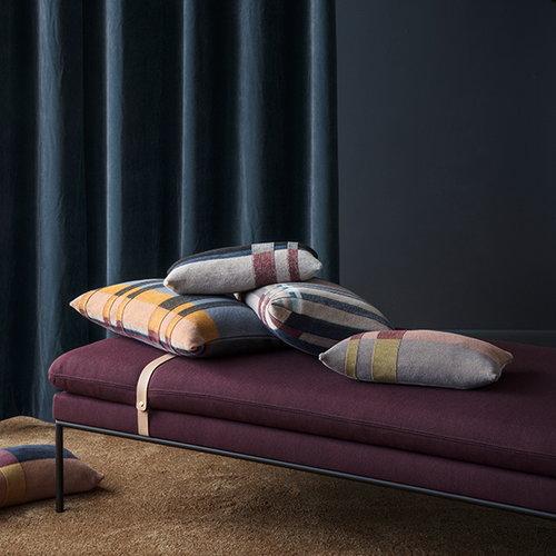 Ferm Living Medley Knit tyyny, pieni, tummansininen