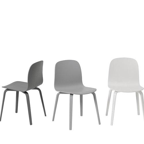 Muuto Visu tuoli, puujalusta, tummanharmaa