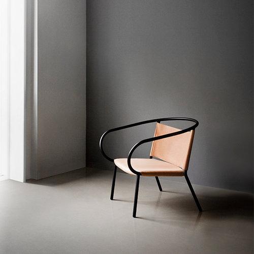 Menu Afteroom lounge chair, cognac silk leather