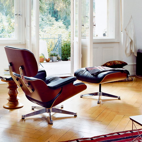 Vitra Lounge Chair nojatuoli, palisanteri - musta nahka