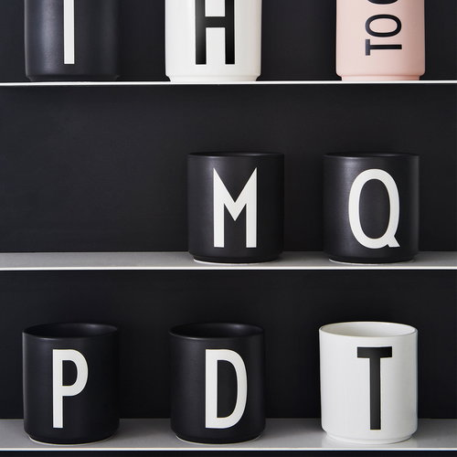 Design Letters Tazza Arne Jacobsen, nera, A-Z