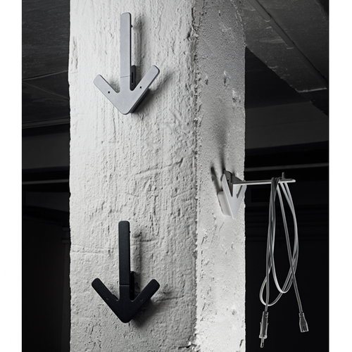 Design House Stockholm Arrow hanger, black