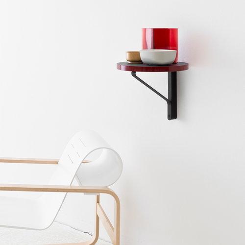 Artek REB 007 Kaari sein�hylly, punainen / musta