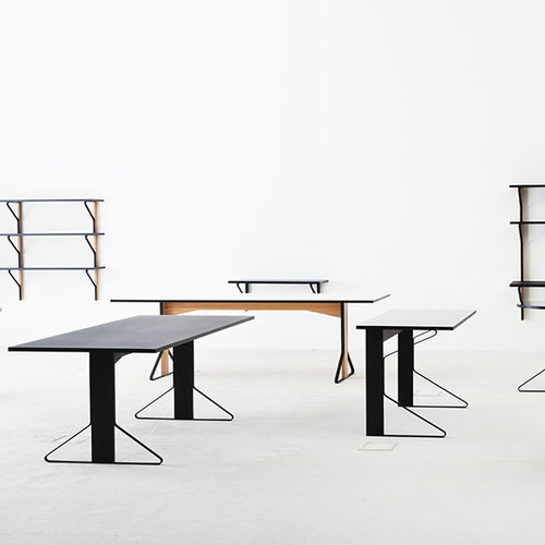 Artek REB 001 Kaari table, black lino / black oak