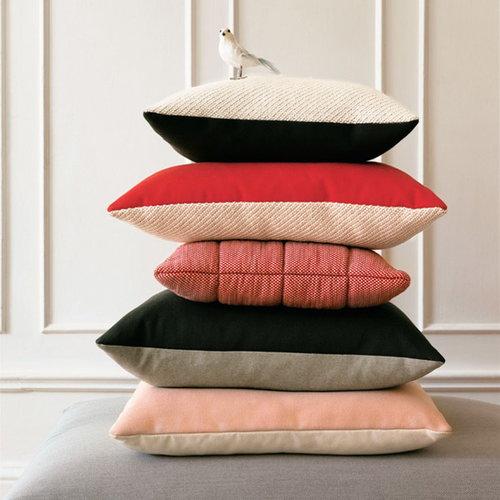 Muuto Soft Grid cushion 50 x 50 cm, light red