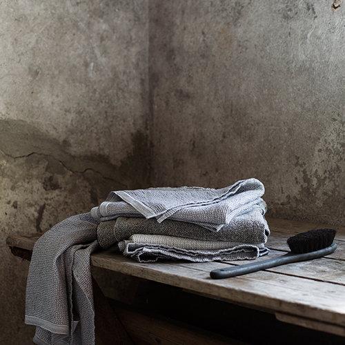 Lapuan Kankurit Terva giant towel, white-multi-grey
