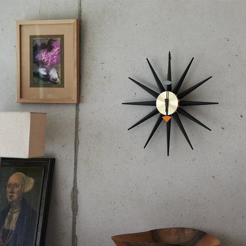 Vitra Sunburst kello, musta-messinki