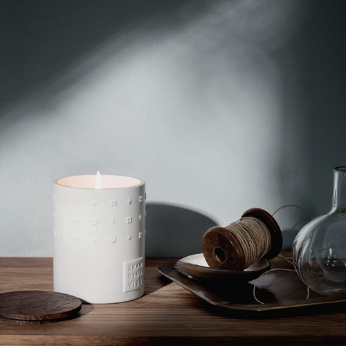 Skandinavisk Scented candle with lid, Escapes Lysning