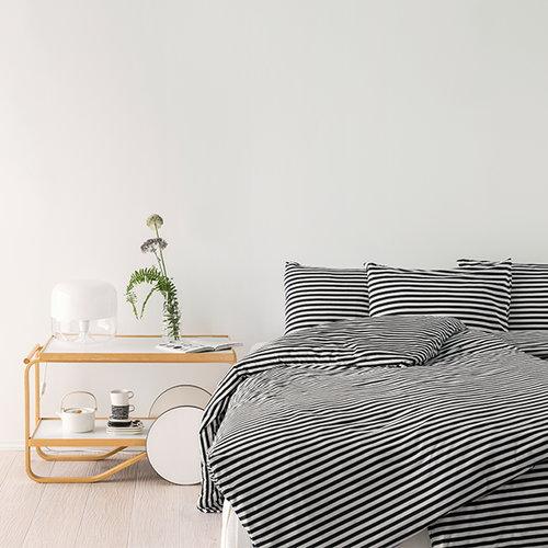 Marimekko Tasaraita tyynyliina, musta-valkoinen