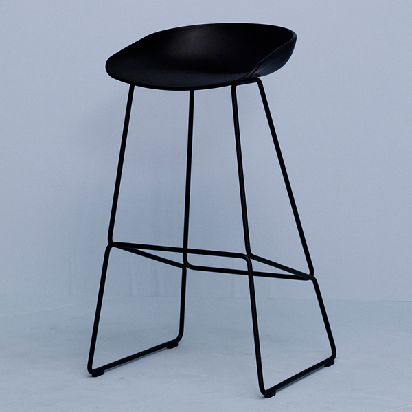 hay about a stool baarituoli aas38 musta finnish design shop. Black Bedroom Furniture Sets. Home Design Ideas